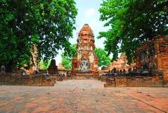 AYUTTHAYA-THAILAND-: Fördärvar av kloster, fördärvar av det gamla pet Royaltyfria Bilder