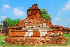 AYUTTHAYA-THAILAND-: Fördärvar av kloster, fördärvar av det gamla pet Royaltyfri Bild