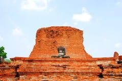 AYUTTHAYA-THAILAND-: Fördärvar av kloster, fördärvar av det gamla pet Royaltyfri Fotografi