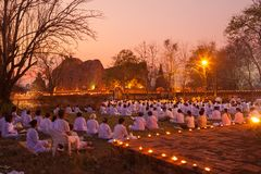 AYUTTHAYA Thailand-Maart 4: De Dag van Makhabucha Traditionele buddhis Royalty-vrije Stock Afbeelding
