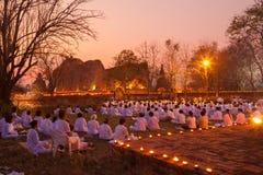 AYUTTHAYA Thailand-mars 4: Makha Bucha dag Traditionella buddhis Royaltyfri Bild