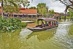 Ayutthaya, Thailand, am 7. November 2015 das Leben in Ayutthaya-floa Stockfotos