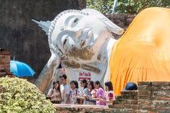 Ayutthaya Thailand - November 01, 2015: Den stora sova Buddha Royaltyfri Bild