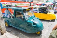 Ayutthaya Thailand, Selbstrikscha three-weeler tuk-tuk Taxi driv Stockbild