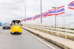 Ayutthaya Thailand, Selbstrikscha three-weeler tuk-tuk Taxi driv Lizenzfreies Stockbild