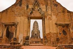 ayutthayaratchaburanathailand wat Royaltyfria Foton