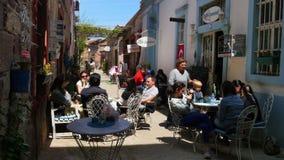 AYVALIK, TURKIJE - MEI 2015: traditionele Turkse huizen, reisbestemming stock videobeelden