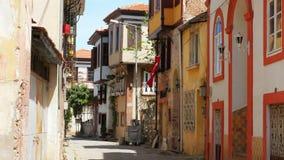 AYVALIK, TURKIJE - MEI 2015: traditionele Turkse huizen, reisbestemming stock video