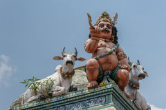 Ayyanar和公牛在科泰尤尔希瓦寺庙 免版税库存图片