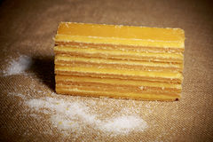 Azúcar de Brown dispuesto en fila Imagen de archivo