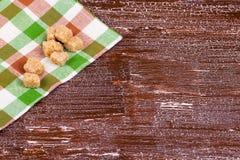 Azúcar de caña en una toalla en Imagen de archivo libre de regalías