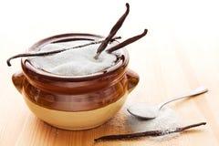 Azúcar de la vainilla en tazón de fuente Fotografía de archivo libre de regalías