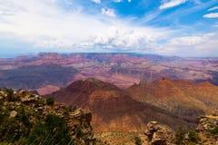 AZ-Grandi canyon. azionamento Orlo-vicino dell'orlo della PTE di Lipan Fotografie Stock