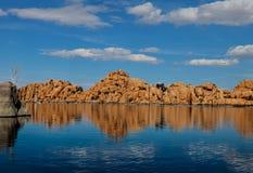 AZ-Prescott-granit Dells-Watson sjö Royaltyfri Bild