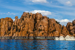 AZ-Prescott-granit Dells-Watson sjö Arkivfoto