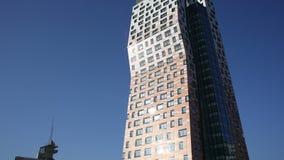 AZ Toren Brno, 111 meters, het langste gebouw in de Tsjechische Republiek stock footage