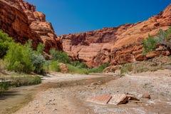 AZ-UT-Paria峡谷银朱的峭壁原野Paria河峡谷 图库摄影