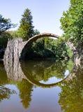 Azalia Parkowy Kromlau i różanecznik Rakotzbrà ¼ cke Fotografia Stock