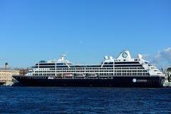 Αναζήτηση Azamara σκαφών της γραμμής κρουαζιέρας στη Αγία Πετρούπολη, Ρωσία Στοκ εικόνες με δικαίωμα ελεύθερης χρήσης