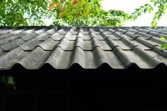 azbestowych tła mech stary deszczu dach fotografia stock