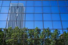 Azca reflexion i byggnad Fotografering för Bildbyråer