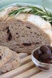 Azeitona e pão de Rosemary Fotos de Stock