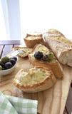 Azeitonas e pão Foto de Stock