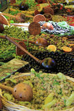 Azeitonas em um mercado francês Imagem de Stock
