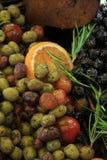 Azeitonas em um mercado francês Foto de Stock Royalty Free