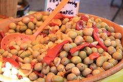 Azeitonas em um mercado francês Foto de Stock