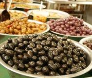 Azeitonas no mercado Fotografia de Stock Royalty Free