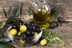 Azeitonas pretas e verdes Imagem de Stock