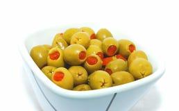 Azeitonas verdes com paprica. foto de stock