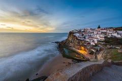 Azenhas毁损村庄在日落在葡萄牙,欧洲; 免版税库存照片