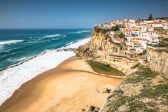 Azenhas Mąci białego wioska punkt zwrotnego na Atlantyk i falezie Zdjęcia Stock