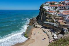Azenhas Mąci plażę w Azenhas Mąci, Portugalia Fotografia Royalty Free