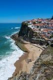 Azenhas Mąci plażę w Azenhas Mąci, Portugalia Zdjęcia Stock