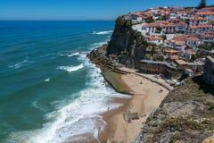 Azenhas Mąci plażę w Azenhas Mąci, Portugalia Obraz Royalty Free