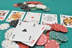 Azenpaar op een het gokken lijst met spaanders Royalty-vrije Stock Afbeelding