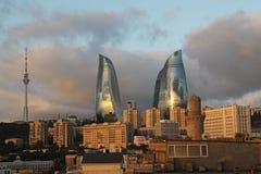 azerbaijan baku Vista na paisagem da cidade Torres da chama Fotografia de Stock