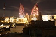 azerbaijan baku Vista na paisagem da cidade Torres da chama Foto de Stock Royalty Free