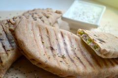 Azerbajdzjanskt bröd med ost Royaltyfria Bilder