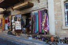 Azerbejdżan baku Widok miasto ulicy Dywanu sklep w starym mieście Obrazy Stock