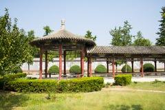 Azië China, Peking, Chinees Cultureel Park, antieke gebouwen, Rond paviljoen, de Lange Gang Stock Foto's