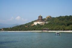In Azië, China, Peking, het de Zomerpaleis, Kunming-meer, Toren van Boeddhistische Wierook, het landschap Royalty-vrije Stock Fotografie