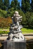 Azië China, Peking, dierentuin, Landschapsbeeldhouwwerk, Draak Stock Foto