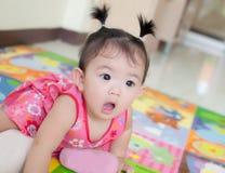 Aziatisch babymeisje royalty-vrije stock foto's