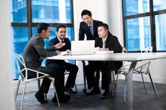 Aziatisch Commercieel Team Royalty-vrije Stock Afbeeldingen