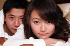Aziatisch jong paar Royalty-vrije Stock Afbeeldingen