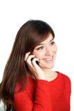 Aziatisch meisje die mobiele telefoon spreken Stock Afbeelding